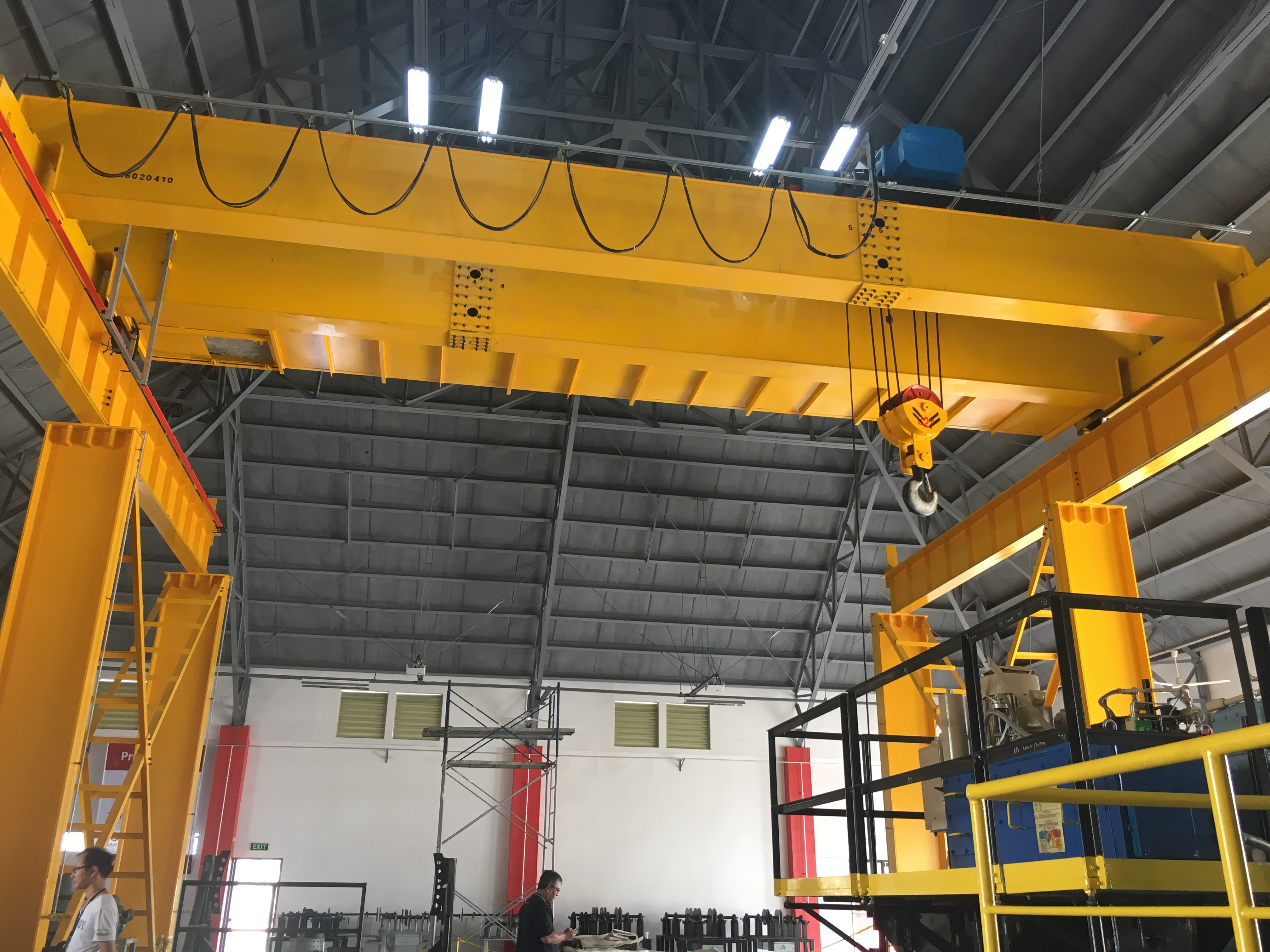 China Double Girder Roof Bridge Crane Manufacturers and